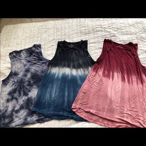 AE Women Tank Top Tees- Size 1 Medium and 2 Small